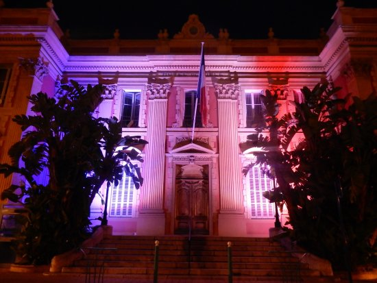 La Salle des Mariages: Town Hall in the evening with the colors of the Tricolore