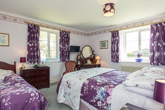 St Martin, UK: Bluebell bedroom