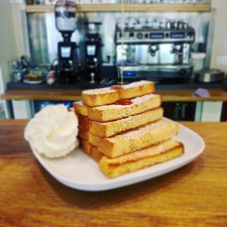 Sumperk, Czech Republic: Francouzské toasty k snídani