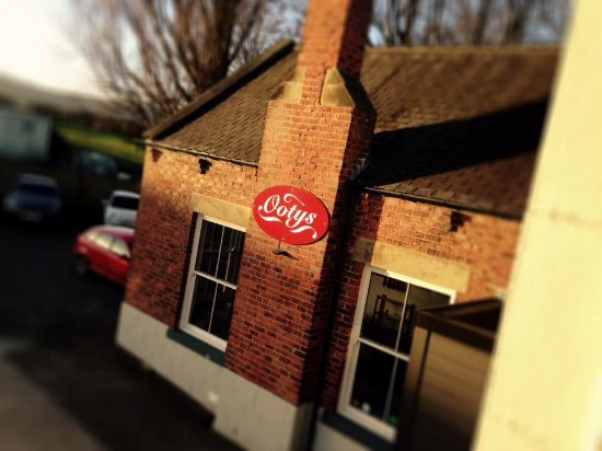Stokesley, UK: Ootys Cafe, The Station