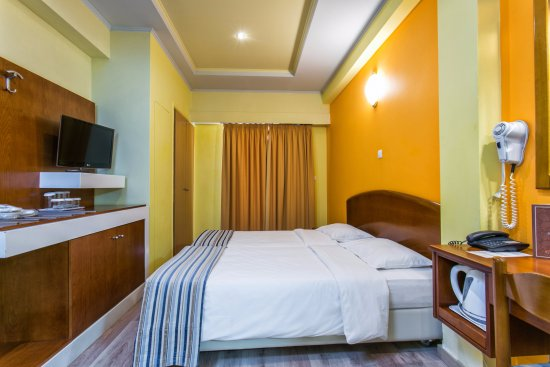 Athens Cypria Hotel: Triple Room
