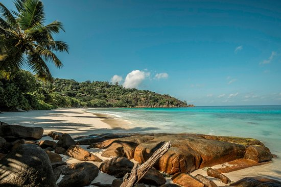 Four Seasons Resort Seychelles: Petite Anse beach