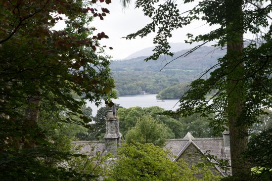 Ambleside (เมืองอัมเบิลไซด์), UK: Photo of view from Stagshaw Garden