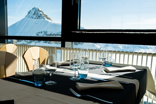 Glacier 3000: Botta 3000, panoramic view from the restaurant