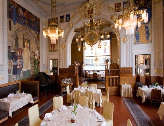Amazing art deco restaurant francouzska prague traveller