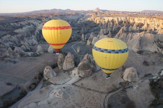 Anatolian Balloons: полет над долиной