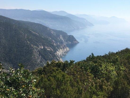 Riva Trigoso, Italie : vista lungo il sentiero