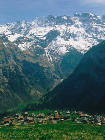 Esther's Guesthouse: The small village of Gimmelwald.