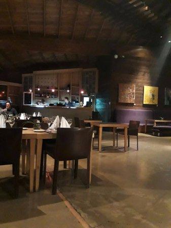 Design Suites Bariloche: Muy cálido el lugar, bien servido el desayuno, maravillosa arquitectura
