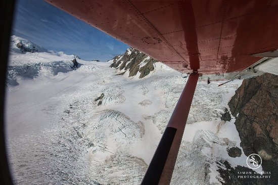 Mt. Cook Village, Nieuw-Zeeland: Mt Cook Scenic Flight and Tasman Glacier Landing - Sneak Peek!