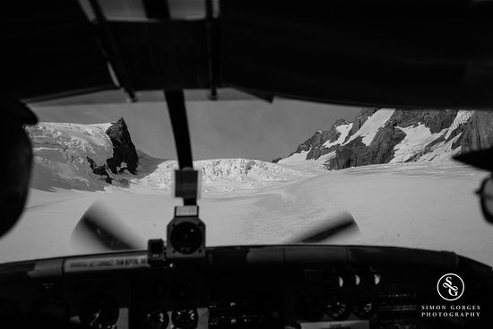 Mt. Cook Village, Nieuw-Zeeland: Mt Cook Scenic Flight and Tasman Glacier Landing - Landing!