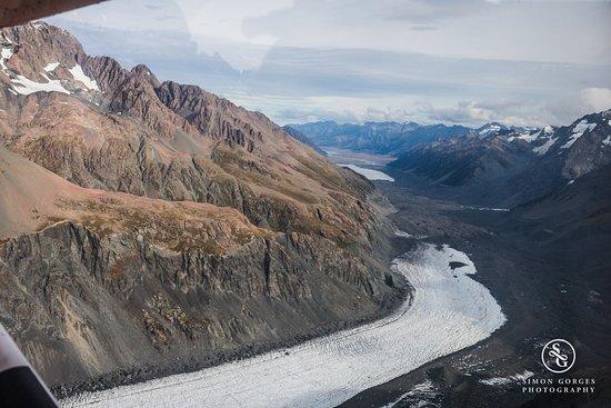 Mt. Cook Village, Nueva Zelanda: Mt Cook Scenic Flight and Tasman Glacier Landing - Bye Bye!