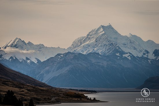 Mt. Cook Village, Nowa Zelandia: Mt Cook Scenic Flight and Tasman Glacier Landing - So majestic!