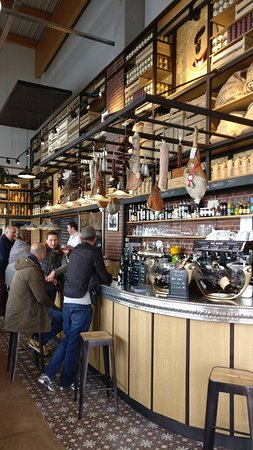 Rungis, Fransa: Bar