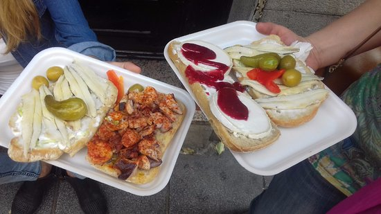 El Capricho Extremeno: Polpo, acciughe marinate e queso de cabra con marmellata