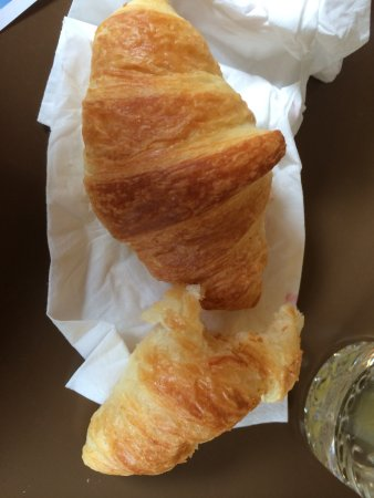 Hotel Edelweiss: The best fresh croissants I have ever had....