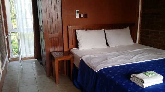 Escape Beach Hotel: 20170405_115355_large.jpg
