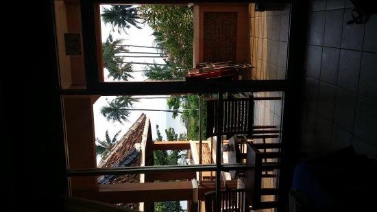 Escape Beach Hotel: 20170405_115403_large.jpg