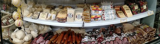 Havertown, Пенсильвания: Imported Meats and Cheeses