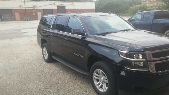Shaker Heights, OH: Freedom 2 Go private suv  vehicle