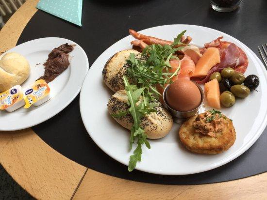 Dresden Cafe Central Brunch Central 2019 04 17