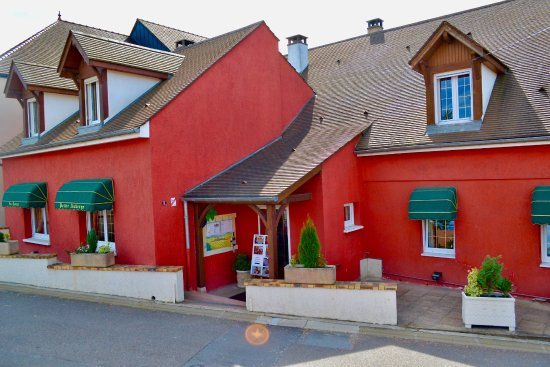 Vosne-Romanee, Frankrike: La Toute Petite Auberge
