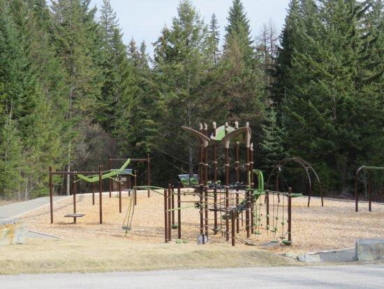 Skookumchuck, Canada: Playground
