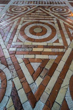 Spoleto, İtalya: Duomo.
