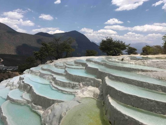 Shangri-La County, China: Spectatular terraces on a small scale