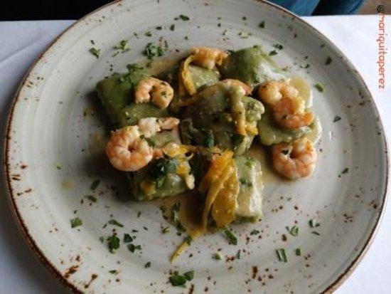 Donna Rachele : Ravioloni verdi con limone e gambaretti