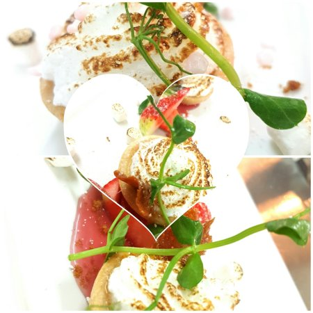 County Durham, UK: We offer a range of desserts