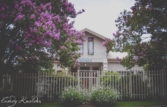 Mirabel Guesthouse