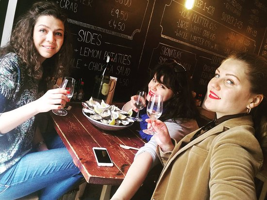Klaw: oysters+prosecco=love