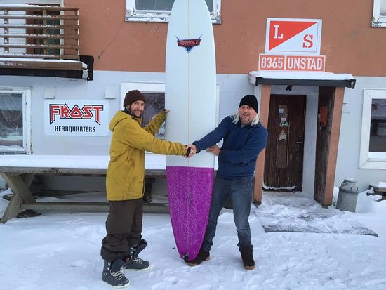 Vestvagoy, Norway: Longboard for our local friend