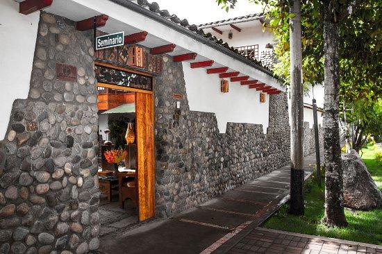 Ceramicas Seminario : la puerta (toquen el timbre!) - Our door (ring the bell!)