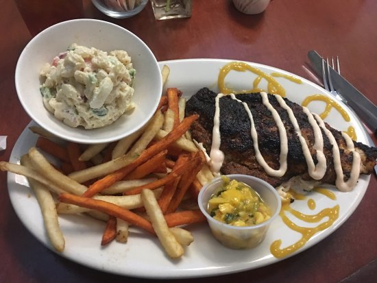 Gulf Breeze, ฟลอริด้า: Red grouper dinner (blackened)