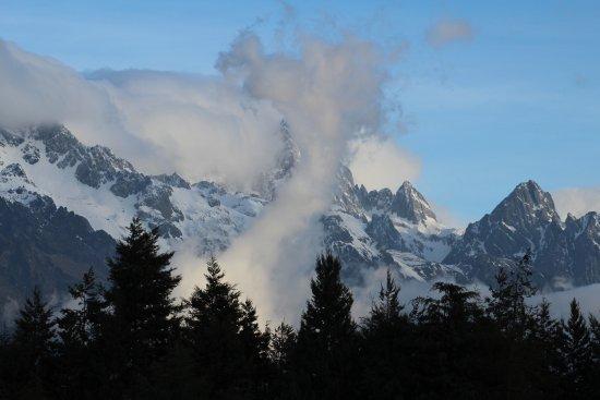 Yulong Snow Mountain and Glacier Park : Montagne depuis la plaine