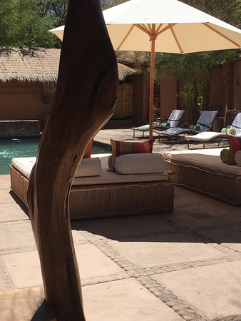 Awasi Atacama - Relais & Chateaux: view of the pool and hotel relax area