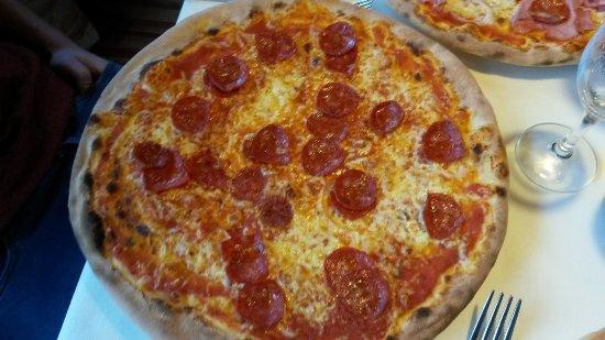 Murnau, Allemagne : Pizza Salami