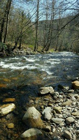Cherokee / Great Smokies KOA: Raven Fork River, running adjacent to the campground.