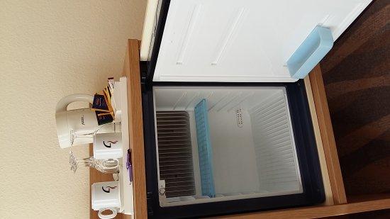 Kühlschrank Tresor : Retro kühlschrank von disney und smeg zum geburtstag von