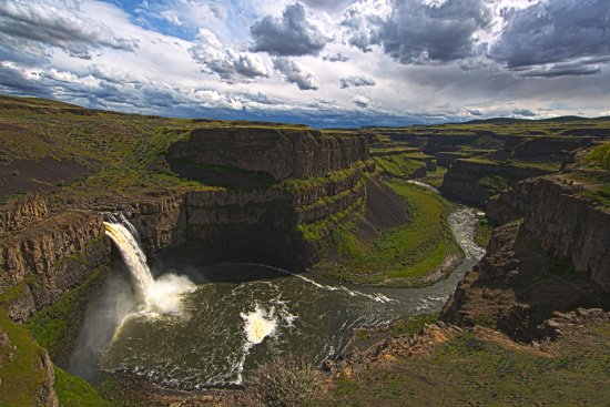Palouse Falls State Park: A wide angle view of the falls and canyon.