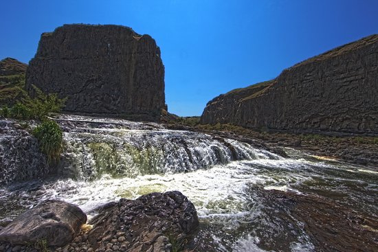 Palouse Falls State Park: The cascade that you encounter on the way to the top of the falls.