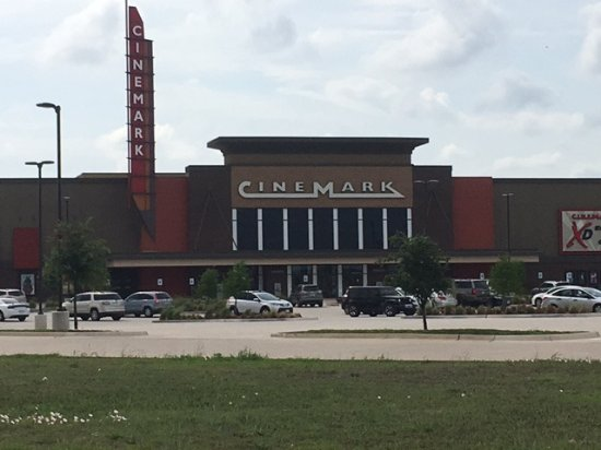 ‪Cinemark Roanoke and XD‬