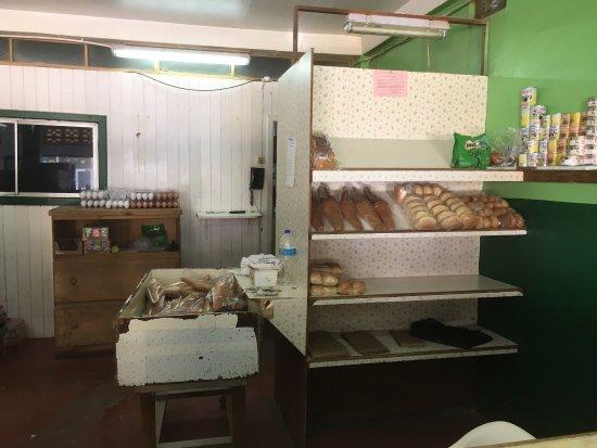Laborie, Saint Lucia: Restaurant bien situé!