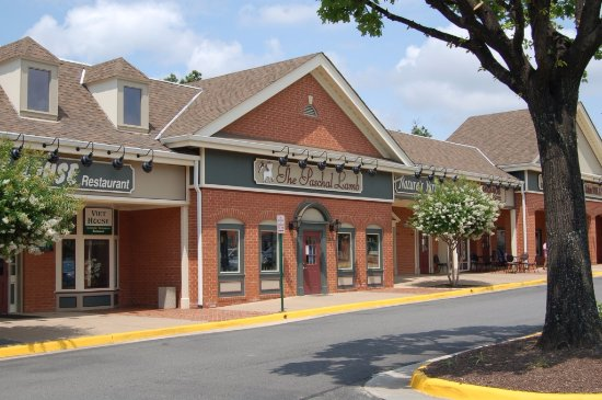 Fairfax, VA: We're located in the Jermantown Square Shopping Center  - Lee Highway and Jermantown Rd.