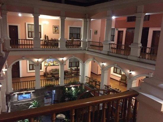 Hotel Patio Andaluz: patio interno