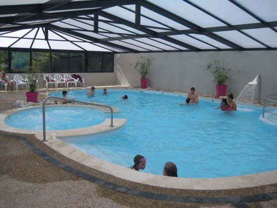 Piscine couverte et chauff e picture of camping pen for Camping morbihan piscine couverte