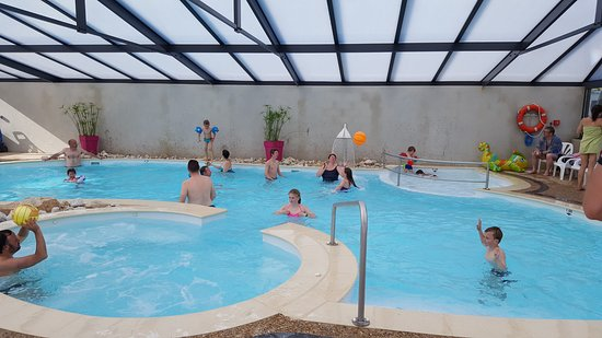 Piscine couverte et chauff e picture of camping pen for Camping dordogne piscine couverte