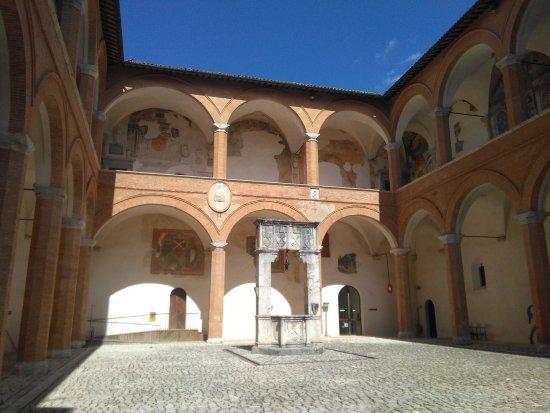Spoleto, İtalya: IMG_20170419_151556_large.jpg
